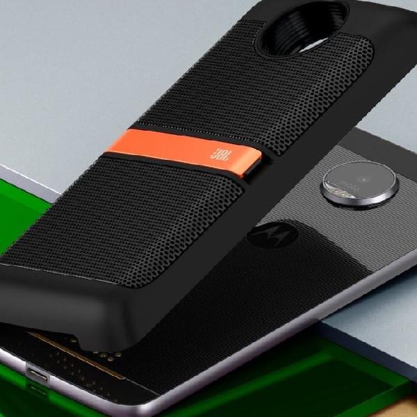 Haz que la música del Moto Z Play cobre vida con el JBL SoundBoost