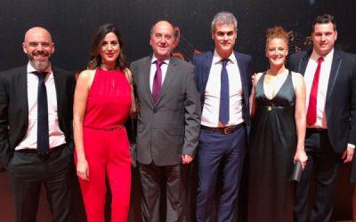 El equipo de Conexión premiado en la VII Gala Siempre+ de Orange